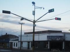 Así son los pocos semáforos de Camilo Aldao, sobre la ruta 12.