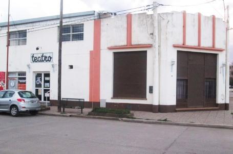 El teatro municipal.