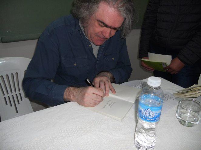 6 8 firmando Brigitte Por Ana María Di Yenno